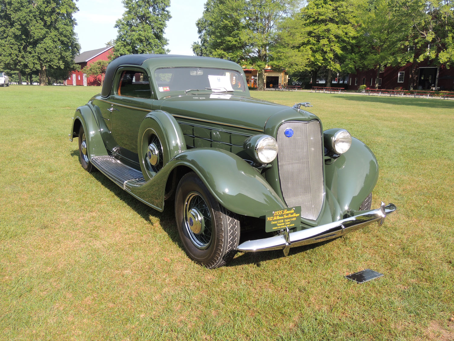 Best in show: 1935 Lincoln LeBaron coupe owned by Dr. Peter Heydon.