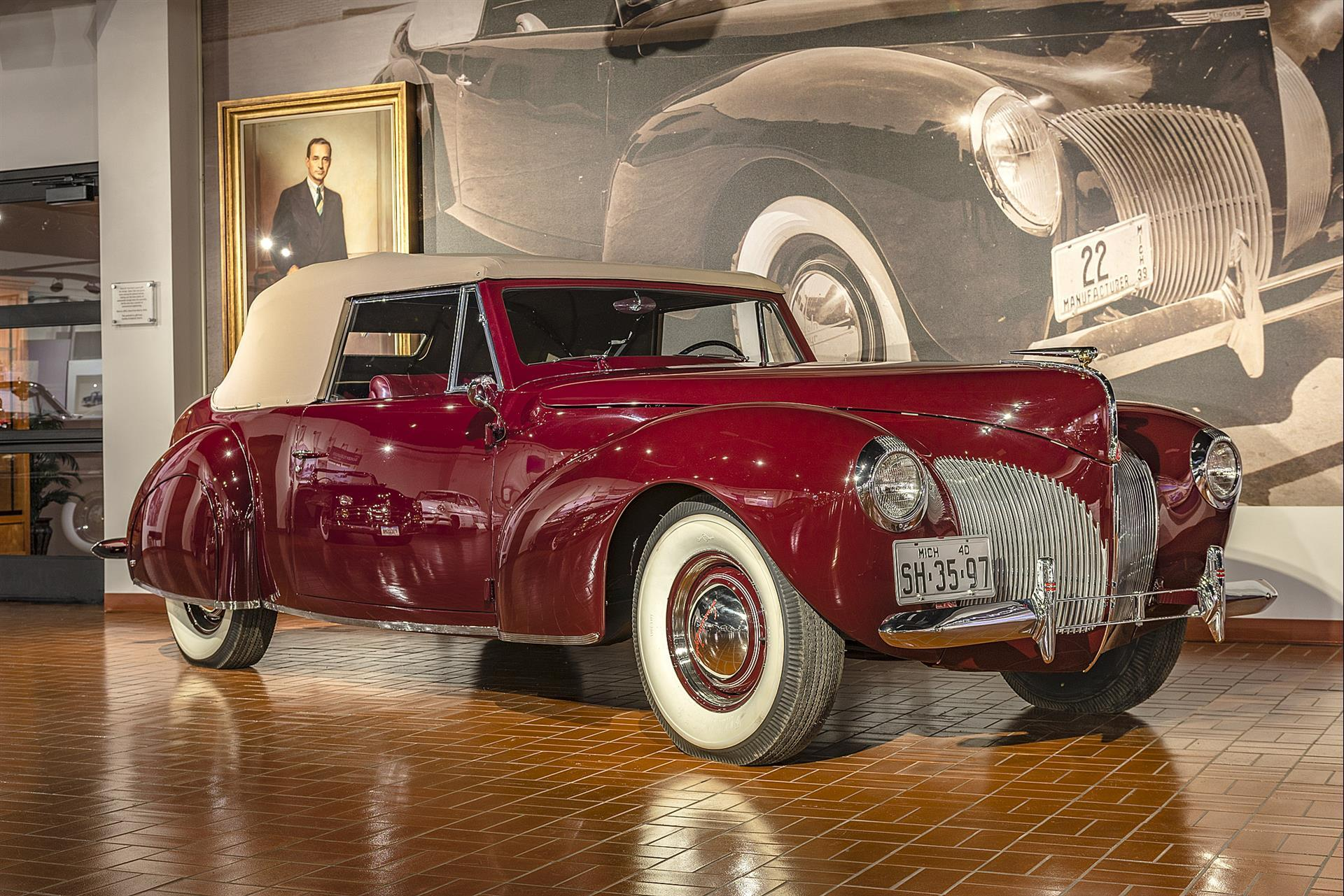 1940 Lincoln-Zephyr Continental cabriolet