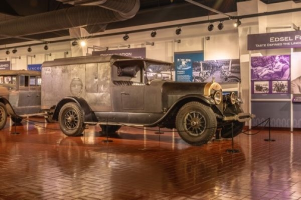 1922 Lincoln camp car