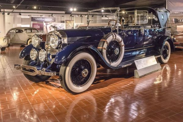 1927 Lincoln Imperial Victoria by Fleetwood